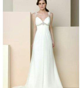 Продается 2 платья новые!!