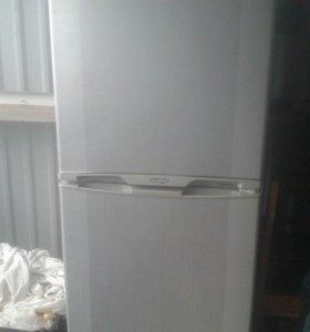 Холодильник бытовой бу рабочий Elenberg