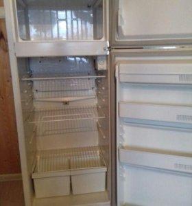 Бытовой холодильник Минск-15М