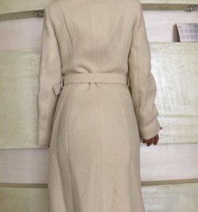 Шерстяное пальто NafNaf