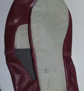 Чешки новые кожаные 22,5 см