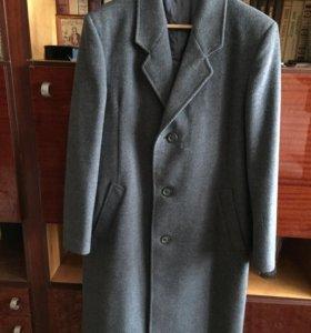 Мужское пальто новое
