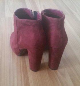 Ботинки женские 38