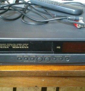 Видеомагнитофон Hitachi M328