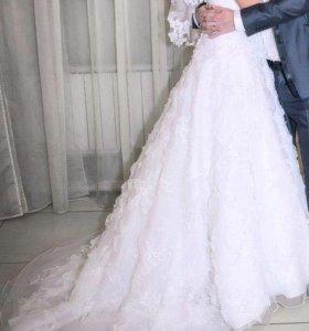 Свадебное платье, фата и шубка