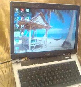 Ноутбук asus в рабочем состояние