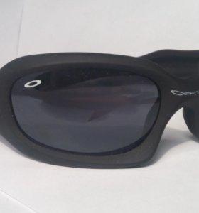 Очки Oakley (производитель США)