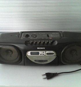 Магнитофон одно кассетный, с радио