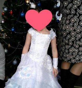 Платье праздничное ,очень красивое
