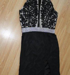 Шикарное платье с шлейфом