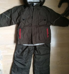 Костюм на мальчика куртка штаны  116-122