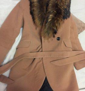 пальто с лисьим мехом!
