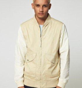Бомбер куртка WeSC