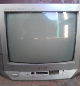Телевизоры и холодильник