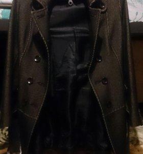 Пальто осеннее модельное
