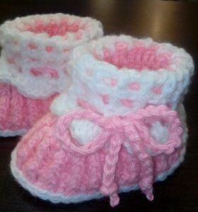 Новые вязаные пинетки, носки, сапожки