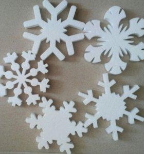 Снежинки из пенопласта, декор для нового года