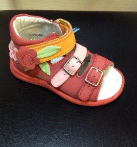 Новые сандали Фламинго