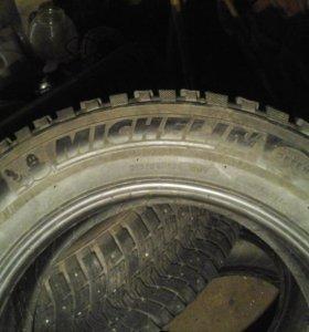Шипованные шины michlen 215/60 r16