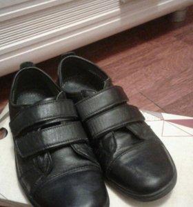 Ботинки подростковые.