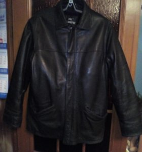 Куртка кожаная зима весна осень.