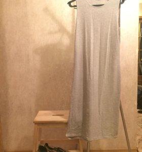 Платье, кеды