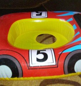 Плавательный круг-автомобиль