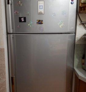 Холодильник SHARP 75х70х180
