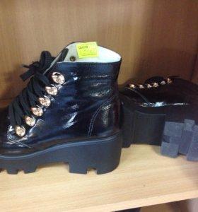 Ботинки р39 новые