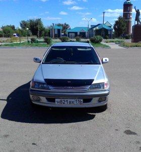 Тойота Карина 1998г.