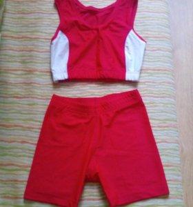 Спортивный легкоатлетический костюм (шорты, топ)