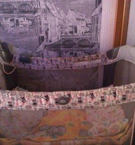 Кроватка  детская с пеленальным  столиком и др