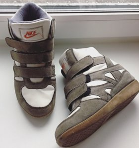 Сникерсы Nike оригинал 36