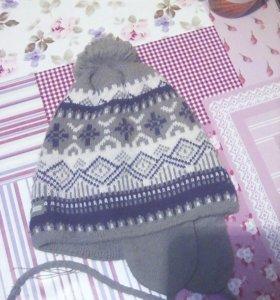 Детские зимние шапочки на 3-4 года