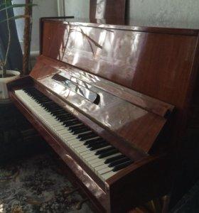 """Продаётся фортепиано """"Ростов Дон"""""""