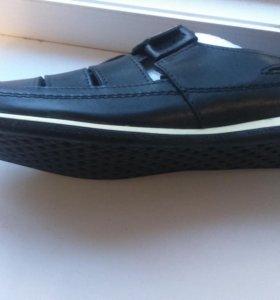 Мужская новая обувь