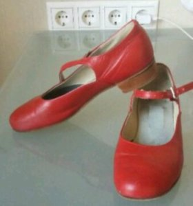 Танцевальные туфли 33р