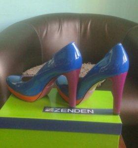 Продам туфли  89242338358