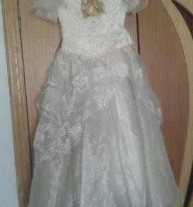 Платье нарядное  для девочки 7 лет