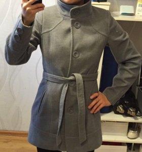 Пальто женское, на тёплую весну