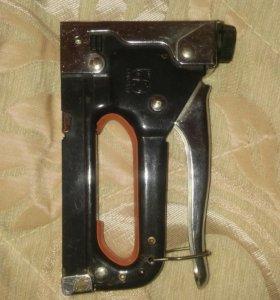 Пистолет обивочный