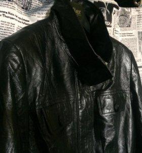 Женская кожаная новая куртка 42-44