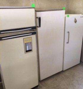 Холодильник 2000 р.