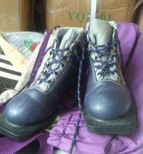 Лыжные ботинки р 34