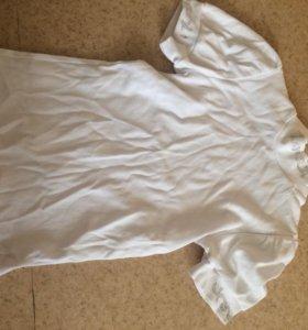 Рубашка белая на девочку.Не носили ни разу