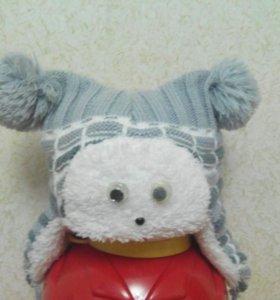 Зимняя шапочка с бубончиками и глазками )))
