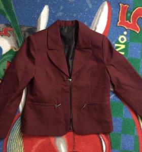 Пиджак новый 122-128