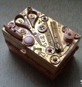 Шкатулка деревянная для швейных принадлежностей