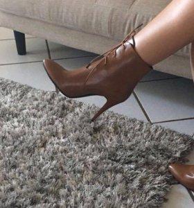 Ботинки женские 38, 39 размер