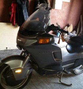 Мотоцикл Honda Pacific Coast (PC 800)